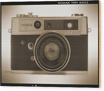 Yashica Lynx 5000e 35mm Camera Wood Print by Mike McGlothlen