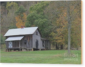 Ye Old Cabin In The Fall Wood Print