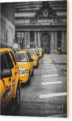 Yellow Cabs Waiting - Grand Central Terminal - Bw O Wood Print by Hannes Cmarits