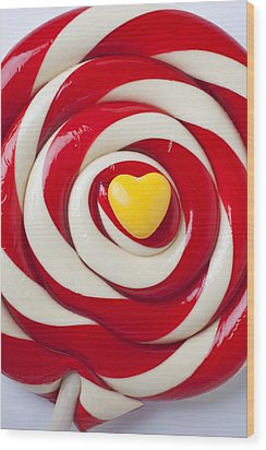 Yellow Candy Heart On Sucker Wood Print by Garry Gay
