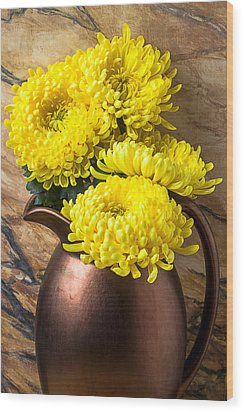 Yellow Mums In Copper Vase Wood Print by Garry Gay