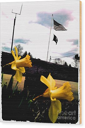 Yellow Salute Wood Print by Thommy McCorkle