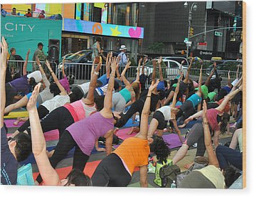 Yoga In Times Square Wood Print by Diane Lent