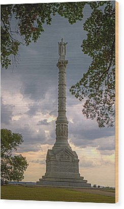 Yorktown Victory Monument Wood Print by Jerry Gammon