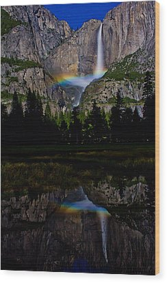 Yosemite Moonbow Wood Print