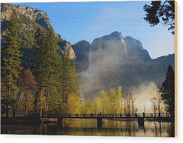 Yosemite River Mist Wood Print by Duncan Selby