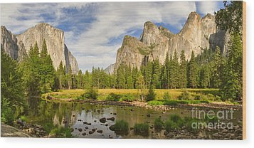Yosemite Valley View Panorama Wood Print