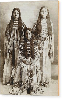 Young Kiowa Belles 1898 Wood Print by Unknown
