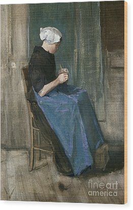 Young Scheveningen Woman Knitting Facing Right Wood Print by Vincent van Gogh
