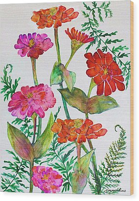 Zinnia And Ferns Wood Print by Janet Immordino