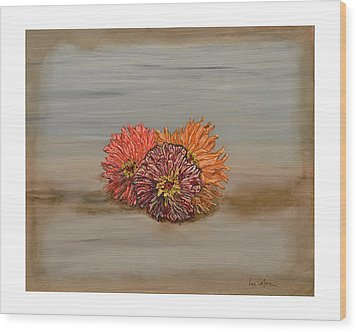 Zinnia Wood Print by Leo Gehrtz