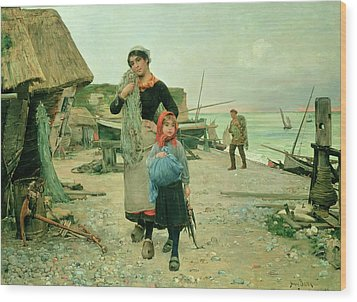 Fisherfolk Returning With Their Nets Wood Print by Henry Bacon