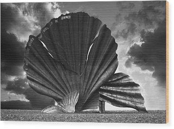 Aldeburgh Scallop Wood Print by Darren Burroughs