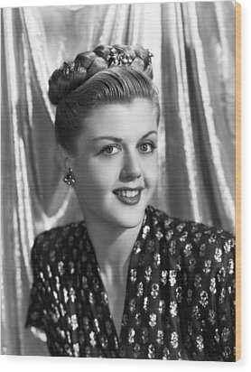 Angela Lansbury, 1945 Wood Print by Everett
