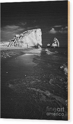 Aphrodites Rock Petra Tou Romiou Republic Of Cyprus Europe Wood Print by Joe Fox