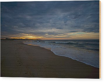 Beach Sunrise Wood Print by Mike Horvath