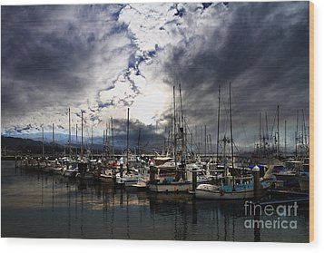 Calm Before The Storm Wood Print by Wingsdomain Art and Photography