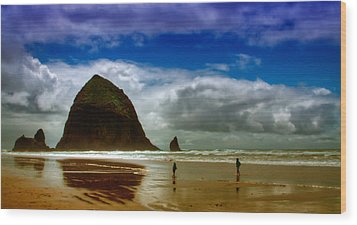 Cannon Beach At Dusk Wood Print by David Patterson