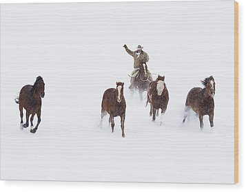 Cowboys And Horses In Winter Wood Print by Frank Lukasseck
