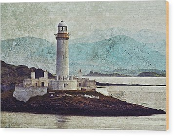 Eilean Musdile Lighthouse  Wood Print by Ray Devlin