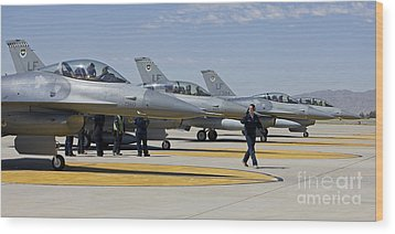F-16 Pilots Work With Crew Chiefs Wood Print by HIGH-G Productions