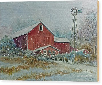 Farm In Winter Wood Print by Louise Peardon