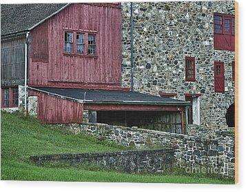 Field Stone Barn Wood Print by John Greim