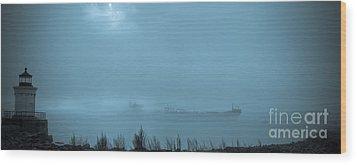 Foggy Morn Wood Print by David Bishop