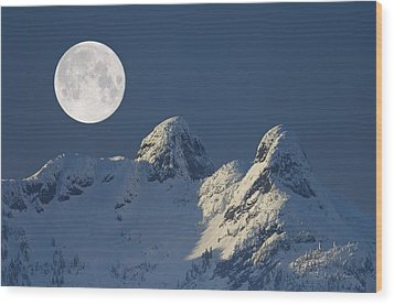 Full Moon Over The Lions, Canada Wood Print by David Nunuk