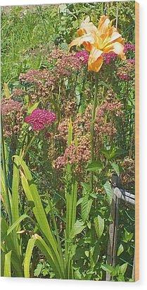 Garden Flowers  Wood Print by Thelma Harcum