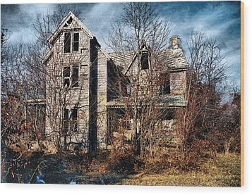 House In Ruins Wood Print by Trudy Wilkerson