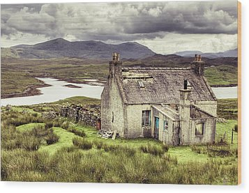 Isle Of Lewis Wood Print by Ray Devlin