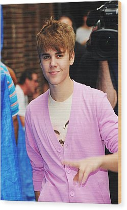 Justin Bieber At Talk Show Appearance Wood Print by Everett