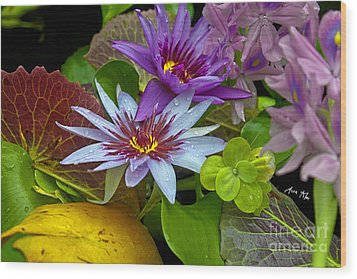 Wood Print featuring the photograph Lilies No. 32 by Anne Klar