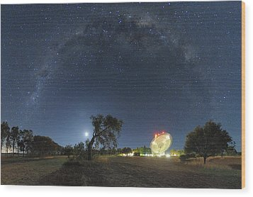 Milky Way Over Parkes Observatory Wood Print by Alex Cherney, Terrastro.com