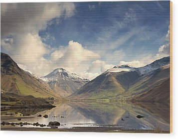Wood Print featuring the photograph Mountains And Lake At Lake District by John Short