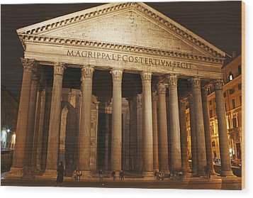 Night Lights Of The Pantheon In Piazza Wood Print by Trish Punch