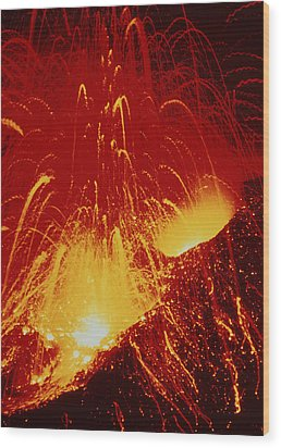 Night View Of Eruption Of Alaid Volcano, Cis Wood Print by Ria Novosti