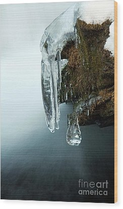 Of Ice And Water Wood Print by Darren Fisher