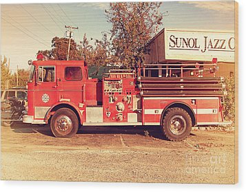 Old Whitney Seagrave Fire Engine At The Sunol Jazz Cafe In Sunol California . 7d10785 Wood Print by Wingsdomain Art and Photography