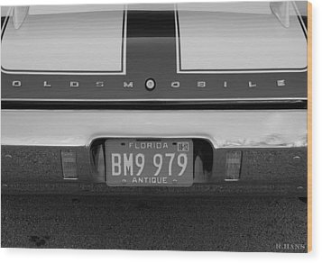Olds Cs In Black And White Wood Print by Rob Hans