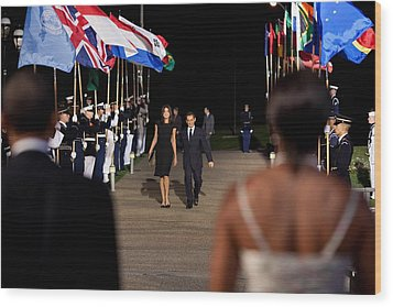 President And Michelle Obama Receive Wood Print by Everett