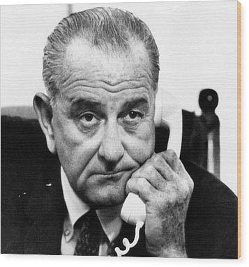 President Lyndon B. Johnson Wood Print by Everett