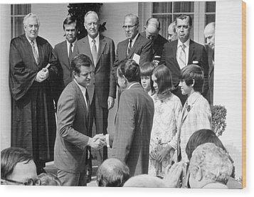 President Nixon Shaking Hands Wood Print by Everett