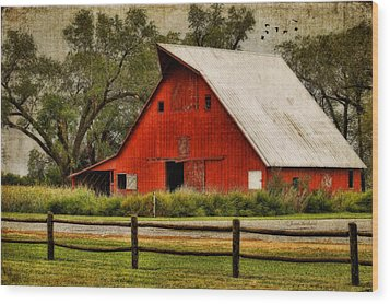 Red Barn Wood Print by Joan Bertucci