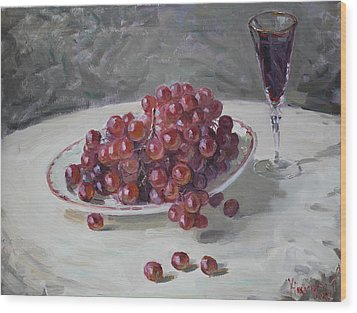 Red Grapes Wood Print by Ylli Haruni