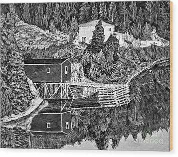 Reflections B W Wood Print by Barbara Griffin
