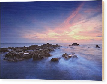 Seascape Wood Print by Teerapat Pattanasoponpong