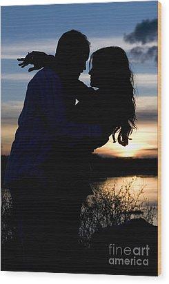 Silhouette Of Romantic Couple Wood Print