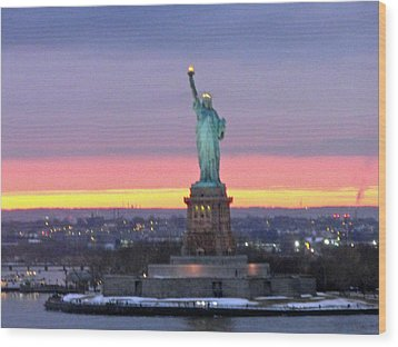 Statue Of Liberty At Sunset Wood Print by Mircea Veleanu